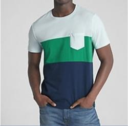 Camiseta GAP Colorblock Pocket  Mangas Curtas Masculino